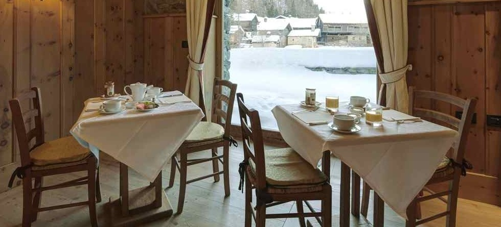 Chalet Lo Miete Hotellerie Mascognaz Italy - dining